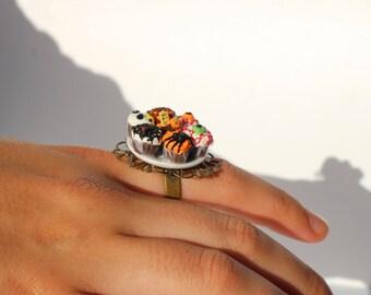 Halloween ring cupcake ring horror ring goth ring halloween fancy dress ring creepy ring gothic jewellery horror ring halloween accessory