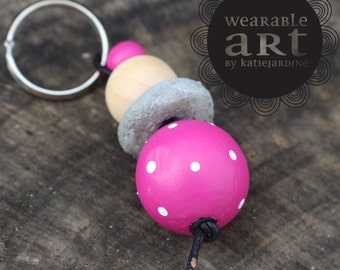 keyring - Hand painted beads - pink and white spots - cement beads - pink keyring