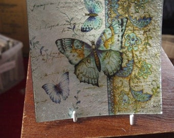 Victori Butterfly Small Square Plate