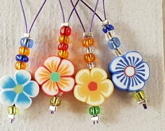 Snag free flower stitch markers