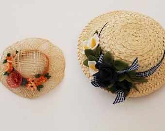 Little Straw hats with decoration in corn paste