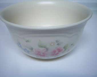 Pfaltzgraff Tea Rose, Small Serving Bowl,  Vegetable Bowl, Retro Dining, Made In USA, Good Used Condition