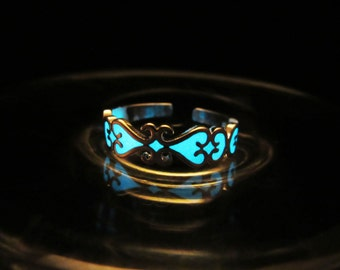 Sterling silver ring glow in the dark// small size