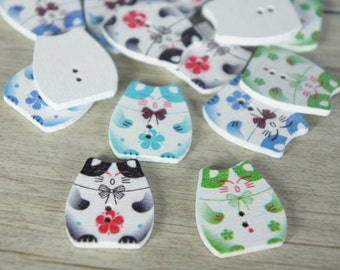 5 Pcs Lucky cat wood button.  Maneki Neko Wood button, Sewing Buttons, Scrapbooking button, wood buttons cute frog, japan button, kawaii