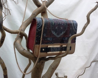 Unique upcycled Hundertwasser style shoulderbag/clutch bag with chain shoulder strap