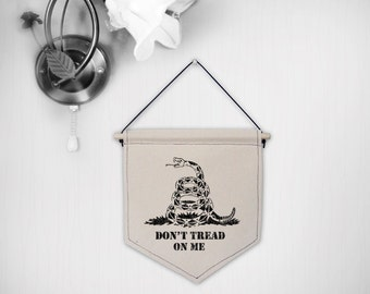 Hanging canvas wall banner-Dont tread on Me(Grunge Style)
