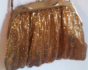 SALE WAS 28 Gold Chain Metal Bag. 1940s/50s Party, Glam, Occasion Evening Handbag Handled Clutch Bag. Autumn Winter Fashion. Gift Idea