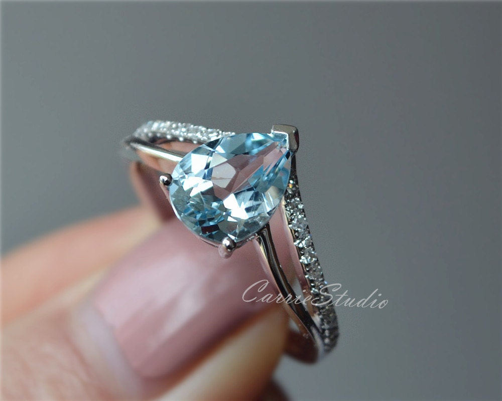 solid 18k aquamarine ring white gold aquamarine engagement. Black Bedroom Furniture Sets. Home Design Ideas