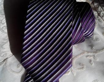 Tie Belmonte gold series. 7 folds.