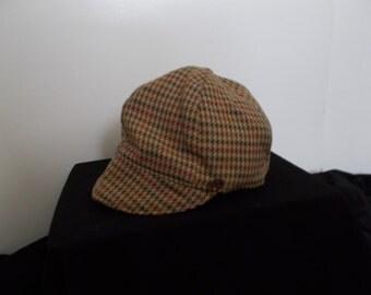 Ladies brown houndstooth cap