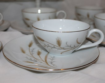 Balance 50% set of 9 cups in tea and wheat to gold fine China plates china