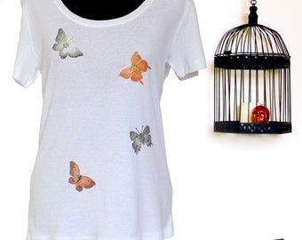 Hand painted t-shirt SIZE: Large