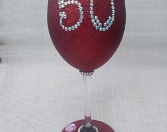 1 x Peronalised XL wine glass, vintage diamante font