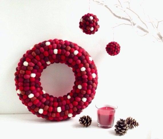 Christmas wreath. Felt ball Wreath. Christmas by hoppsydaisy