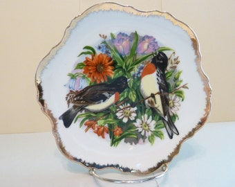 Collectors Plate, By: Ardco, Floral and Birds w/ Feathered Gold scalloped rim