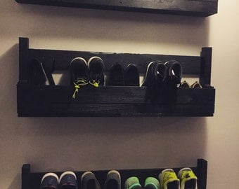 Wall shoe rack