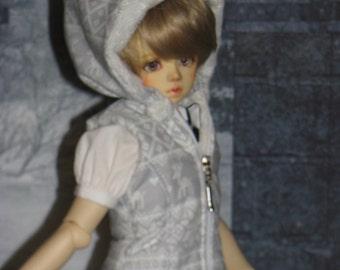 Warm waistcoat for Volks Msd boy/MNF dolls .