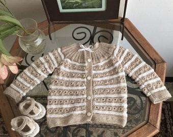 Hand knitted baby set with sweater/cardigan and booties beige and white