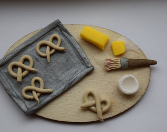 Mini Pretzel Prep Board - Polymer Clay Dollhouse Miniature