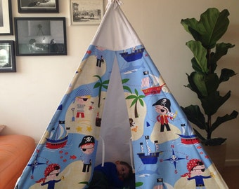 Pirate themed fabric Teepee,chidrens play tent+wooden poles