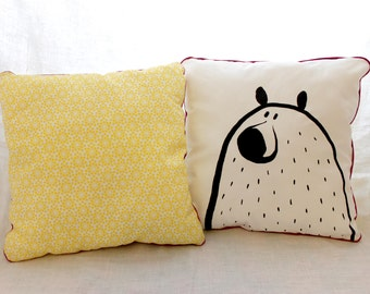 Cushion illustrated Wolf / bear