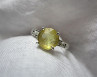 yellow sapphire and diamond ring,yellow sapphire ring ,WOOW