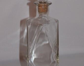 Vintage Diamond Shaped Glass Wine Decanter D-126 55 - 69