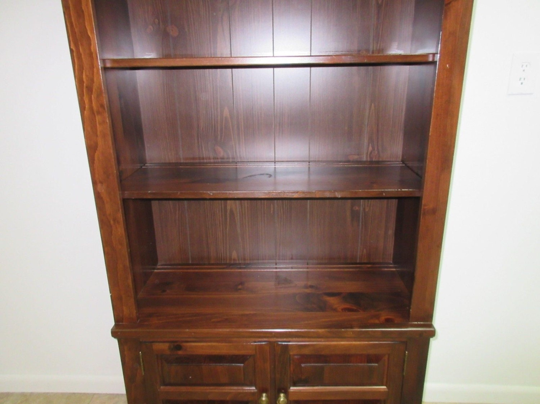 Ethan Allen Corner Cabinet: Ethan Allen Old Tavern Antiqued Pine Bookshelf Curio Cabinet
