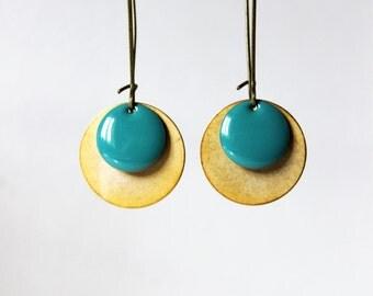 Long earrings enameled sequin turquise