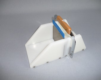 Adjustable Duo Soap Cutter, plain and wave cut, Dishwasher Safe