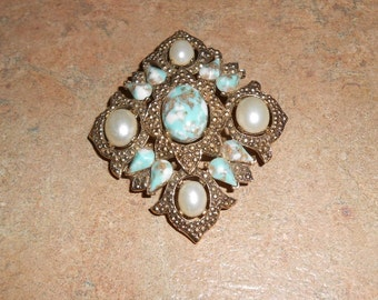 Sarah Coventry Vintage Brooch