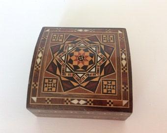 Inlaid wood trinket box with velvet lining. Wooden trinket box with geometrical inlay. Wooden inlaid trinket box.