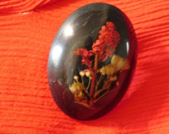 real dried flowers in brooch