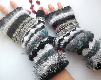 HAND KNITTED GLOVES / Bohemian Fingerless Boho Mittens Women Cabled Romantic Striped Warm Accessories Feminine Wrist Warmers Winter Arm 1084