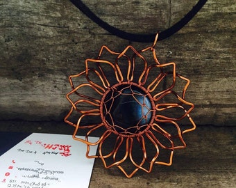 Sunflowers copper Neacklace, coper wire is combine with black crystal, Necklace Copper|Sunflower necklace|wire wrapped|copper jewelry|copper