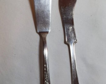 Butter Knives Wm A Rogers & Son AA I.S. / 1881 Rogers A1 , Silverplate, 2 different patterns