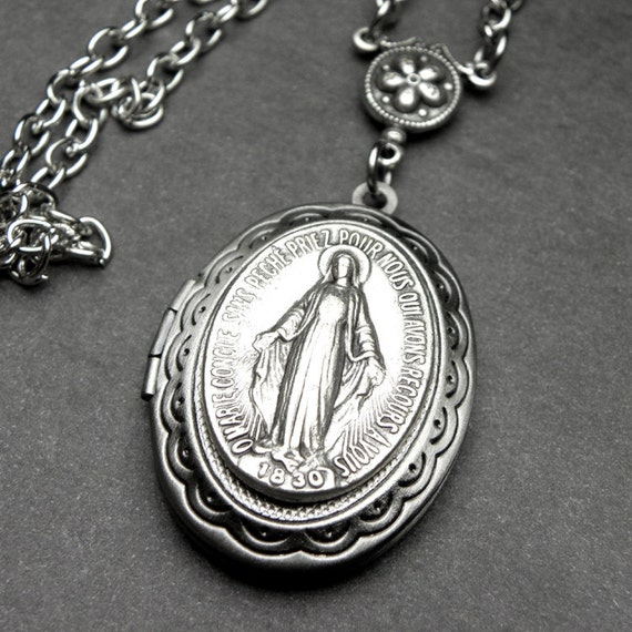 Miraculous Medal Antique French Silver Holy Medal Locket. Wedding Blouse Jewellery. Absolute Jewellery. Collage Jewellery. Drop Jewellery. D Diamond Jewellery. Dark Skin Jewellery. Big Jewellery. Uncut Diamond Jewellery