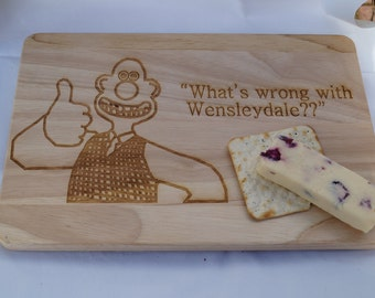 Wooden cheese board, chopping board, personalised chopping board, wallace and gromit, serving platter personalised