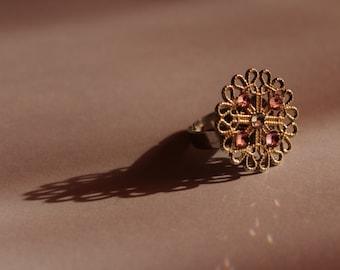 Elegant ring with swarovski