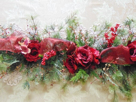 Long table centerpiece christmas floral red