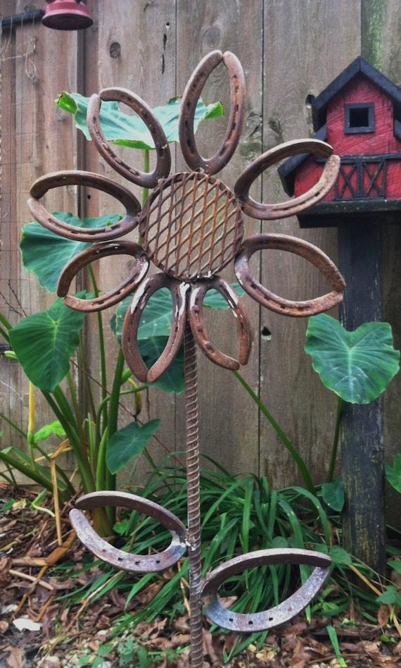Items similar to Large Horseshoe Flower Garden/Yard Art on ...
