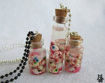 Creepy Eyeball Jar//Gruesome Eyeball Jars//Eyeballs in a Jar Necklace