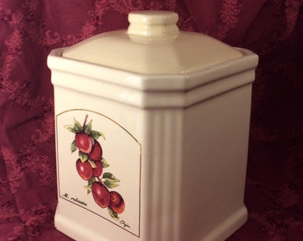 Apple canister or cookie jar