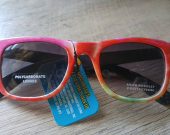 Super light tie dye Wayfair style sunglasses. Perfect for the beach or a concert! Hippie tie dye.