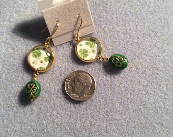 Four leaf Clover cabochon with shamrock bead