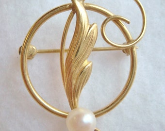 Vintage 12k Gold Filled Hoop & Feather Brooch Pin with Faux Pearl by Carla