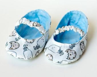"Baby Crib shoes ""Milk & Cookies"""