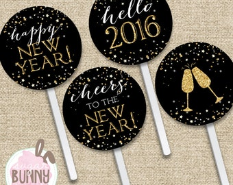 New Years INSTANT DOWNLOAD Printable Cupcake Toppers with Cupcake Wrappers!