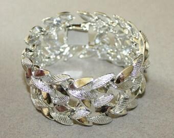 Gorgeous Vintage, Chunky Silver Tone, Linked Leaf Bracelet