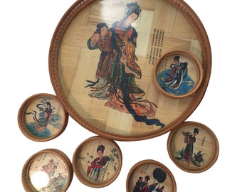 Beautiful set with a round bamboo tray and 6 matching coasters from the 1970s with Asian Chinese painted ladies.